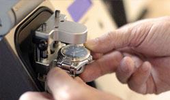Замена стекла в механических часах